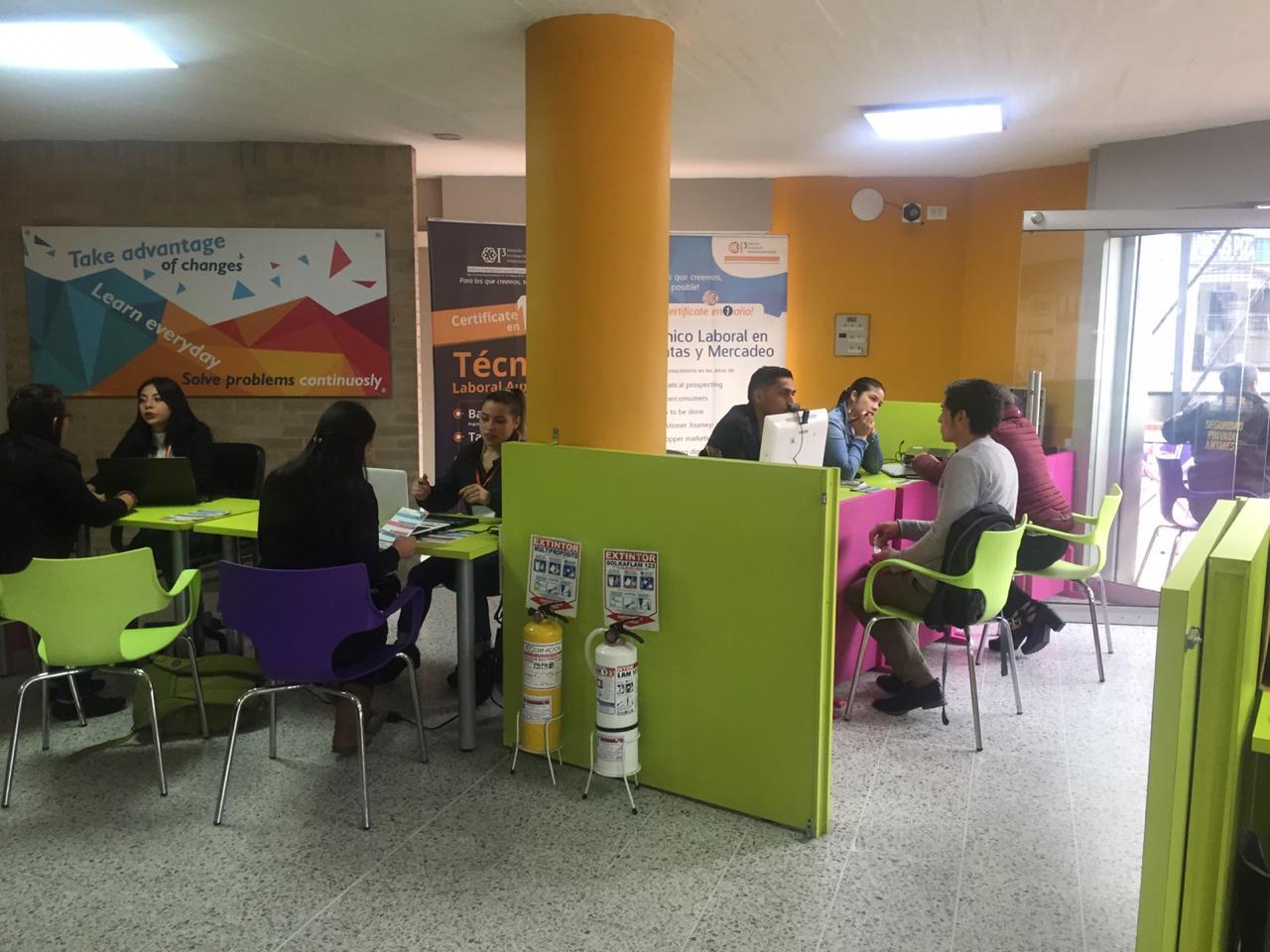 Feria-laboral i3